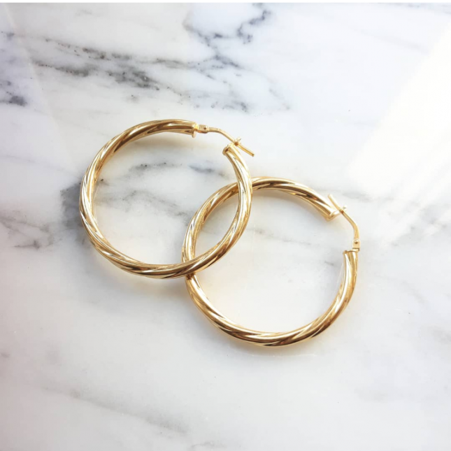 GOLD TWISTED HOOP