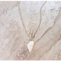 WHITE SHELL NECKLACE